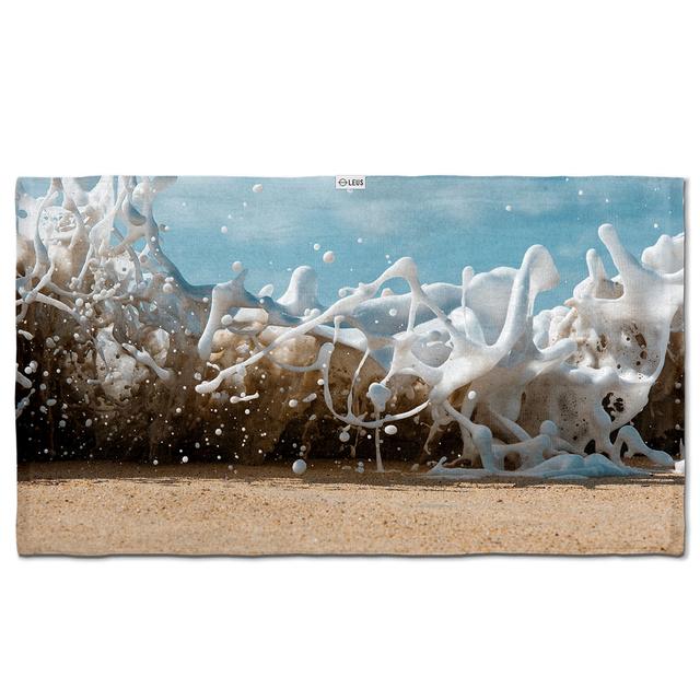 Leus Towels Print Breaking Glass