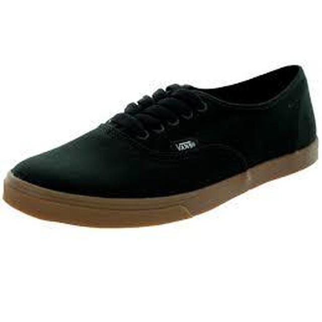 W Authentic Lo Pro - (Gumsole) Black